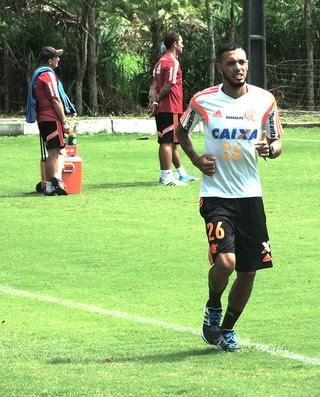 Paulinho treino Flamengo (Foto: Thiago Lima)