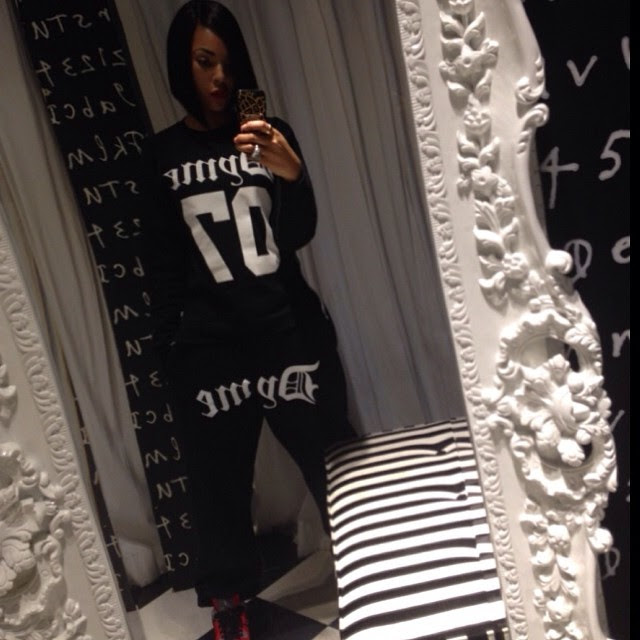 ashanti-instagram-dyme-apparel-basic-dyme-crew-neck-sweats