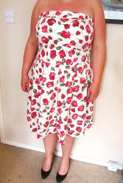 catriona dress modelled