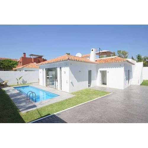 Modern beachside villa for rent Puerto Banus