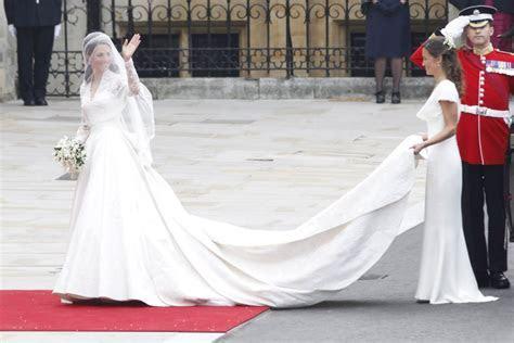Kate Middleton's Second Wedding Dress   Reader's Digest
