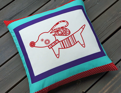 Red-dog-cushion-complete