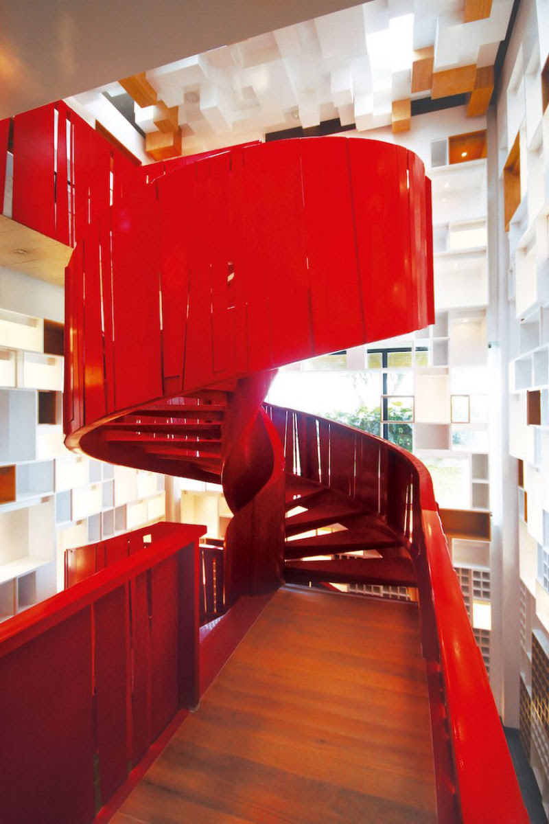 Escadas incrivelmente projetadas que estão um degrau acima das demais 17