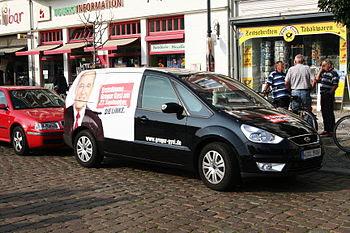 Gregor Gysis election campaign car for the Bun...