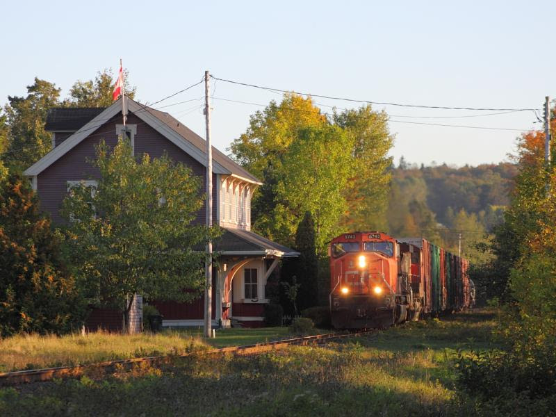 CN 5743 in Rothesay NB