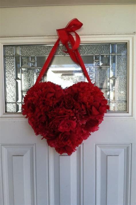 20 Heart Melting Handmade Valentine's Wreaths   Style