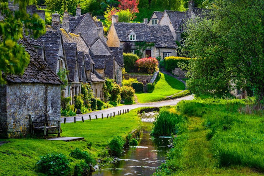 Today's Idyllic Walk: The Small Village of Bibury, England | Tourism on the Edge