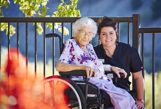 Independent Living vs. Assisted Living: Which is Right for My Loved One?