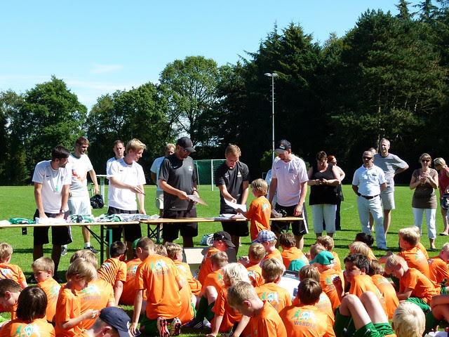 Trainerteam um Dieter Eilts  - Abholung des Fußballabzeichens