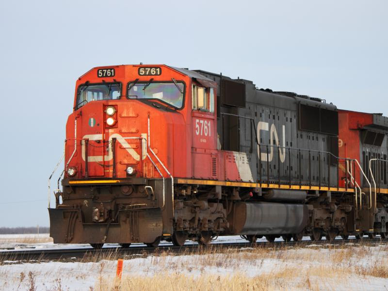 CN 5761 outside Winnipeg