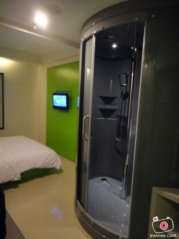 POP-HARRIS-HOTEL-KUTA-BEACH-BALI--toilet