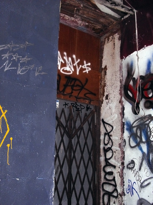 graffiti entrance