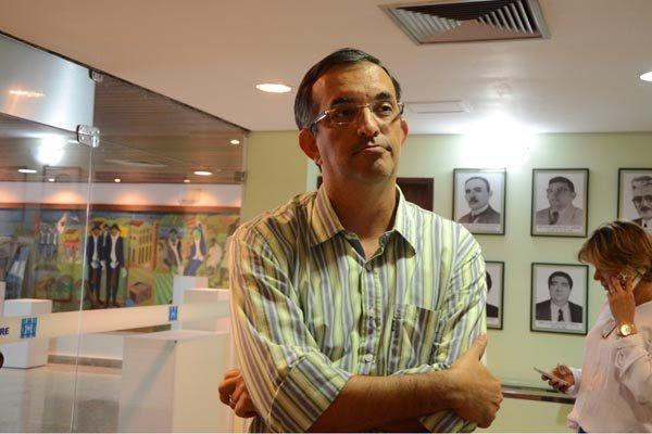 Fabiano Teixeira, presidente da AMLAP, lista dificuldades como queda no FPM e de receitas do Fundeb