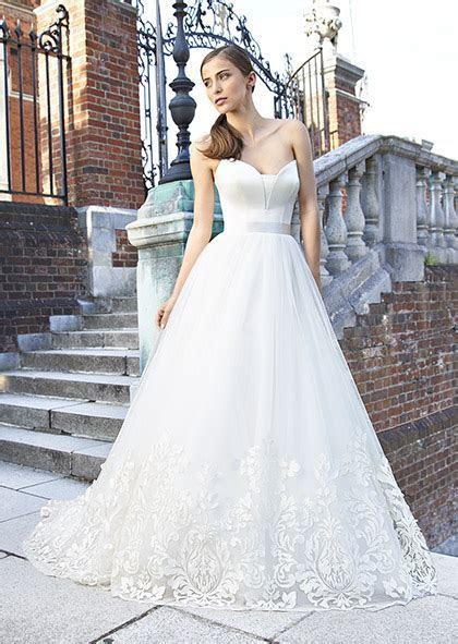 Designer Wedding Dresses & Couture Bridal UK   Suzanne Neville