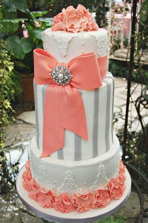 Love this coral and gray wedding cake ! Georg!!!   Wedding