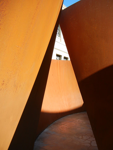 Steel Sculpture by Richard Serra, Cantor Arts Center, Stanford University _ 8341