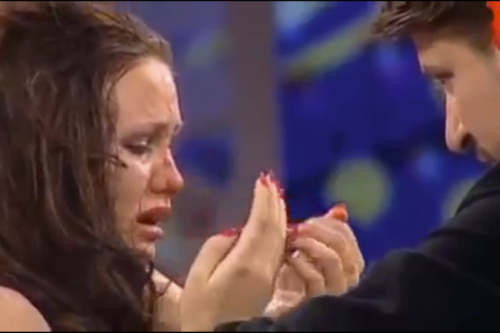 Woman punched in the face on Russian game show