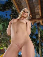 inthecrack-801-Tracy-Delicious (92).jpg - Hosted by IMGBabes.com