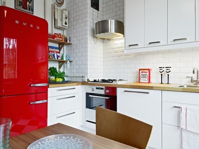 Smeg Retro Kühlschrank Test : Smeg kühlschrank retro rot burns stephanie