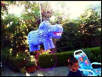 hippo_piñata