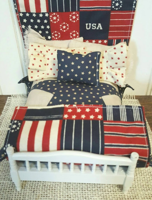 Miniature Americana Bedding with Wall Quilt and Throw