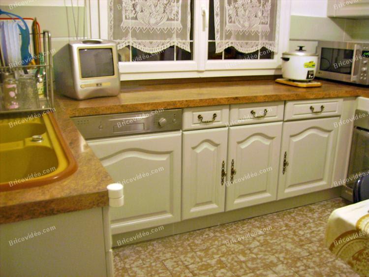 table et chaises de terrasse repeindre meuble cuisine. Black Bedroom Furniture Sets. Home Design Ideas