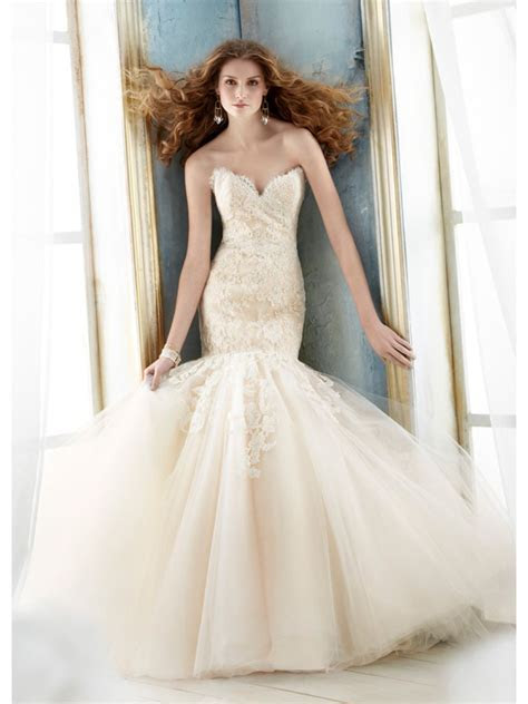 Affordable Trumpet / Mermaid Sweetheart Court Train Lace