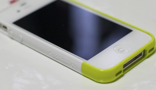 SGP CASE Linear EX Meteo Series Lime + iPhone 4S by cinz
