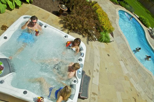5 Person Plug and play Portable Hot Tubs with 106 Stainless Steel Jets