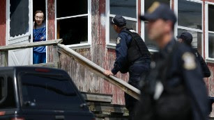 Manhunt for escaped New York prisoners