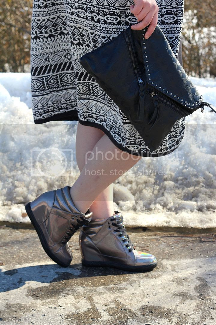 plus size fashion body con skirt mesh junarose aztec coatigan turtleneck holographic wedges toronto canada fatshion fat fashion