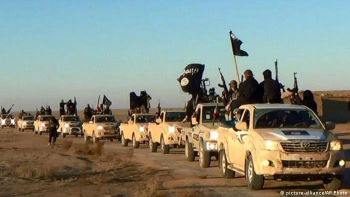 Syrien IS Terroristen (picture-alliance/AP Photo)