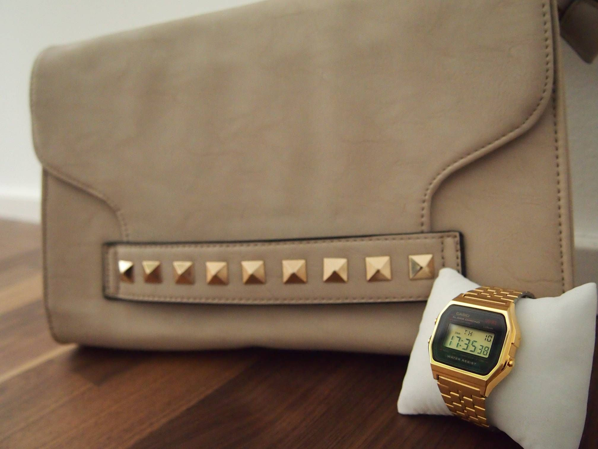Casio Uhr Gold Outfit