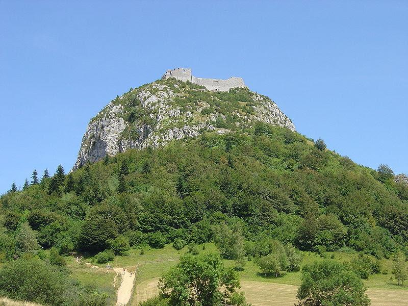 File:Montsegur montagne.jpg