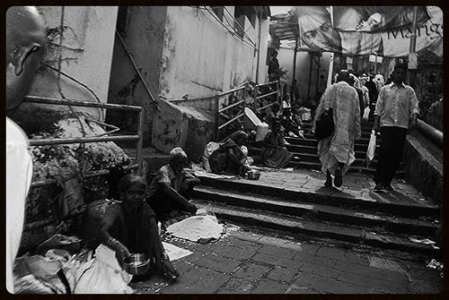 dil uth gaya jahan se le chal hamein yahan se..... by firoze shakir photographerno1