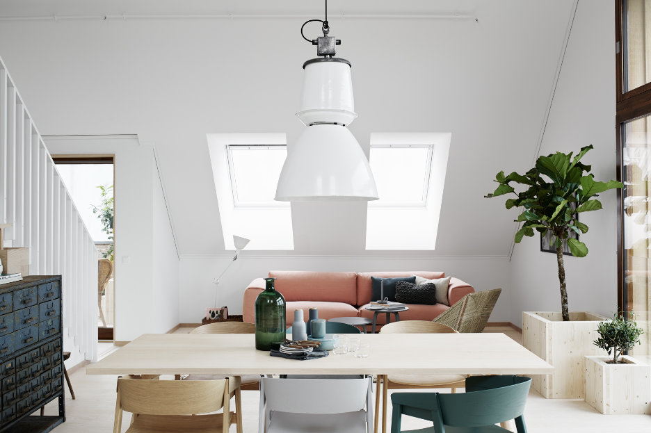 Home with green tints - via cocolapinedesign.com