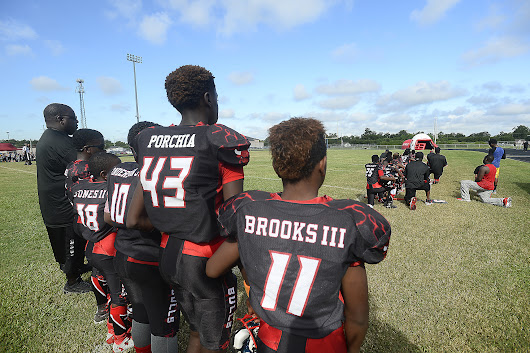 Texas youth football team gets season cancelled after National Anthem protest