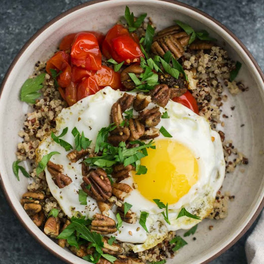 Quinoa Breakfast Bowl with Za'atar Pecans