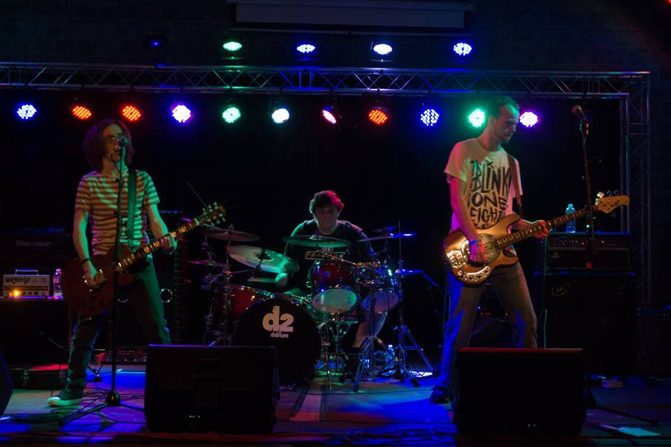 www.facebook.com/willowbayband