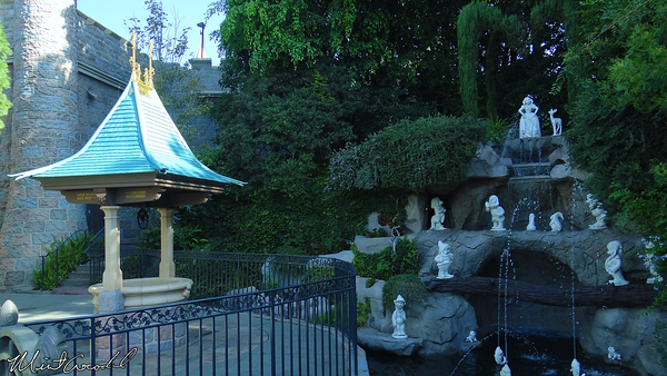 Disneyland Resort, Disneyland, Fantasyland, Snow White's Wishing Well