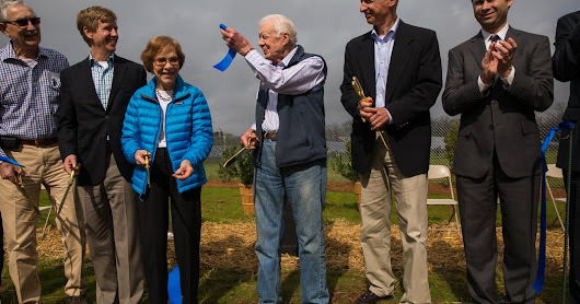 Jimmy Carter Makes a Stand for Solar, Decades After the Cardigan Sweater - The New York Times