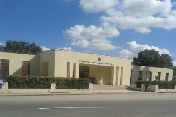 1) Tribunal Provincial de Las Tunas, donde fueron condenados los del Ferrocemento (foto del autor)
