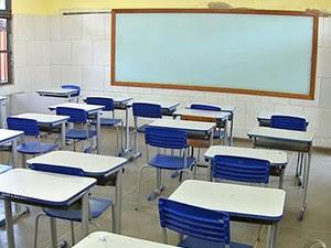 Sala de aula vazia (Foto: Reprodução/TVCA)