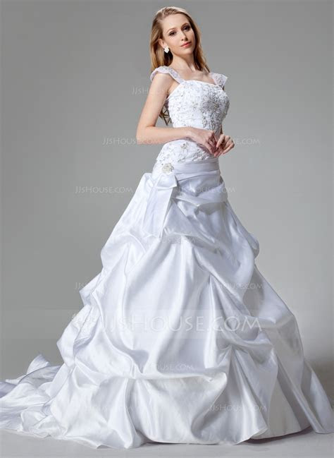A Line/Princess Chapel Train Satin Wedding Dress With