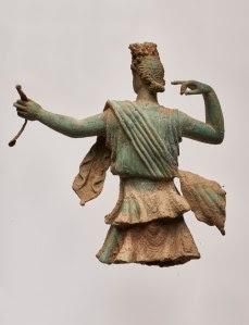 Μια σημαντική ανακάλυψη, ενα σύνταγμα γλυπτών μικρού μεγέθους της Αρτέμιδος και του Απόλλωνος..!