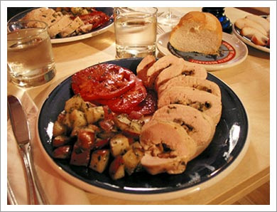 http://www.eslpod.com/eslpod_blog/wp-content/uploads/2008/04/08272003_meal.jpg