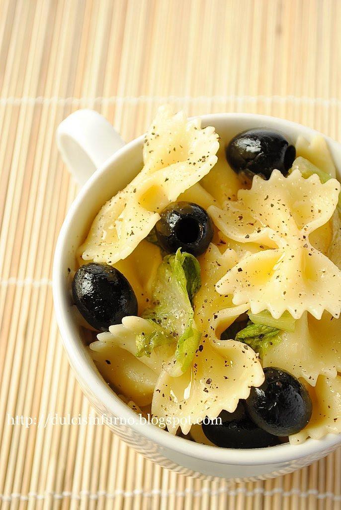 Farfalle con Lattuga e Olive-Farfalle with Lettuce and  Olives