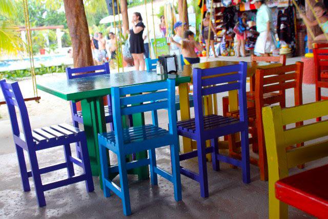 Resultado de imagem para mesa colorida