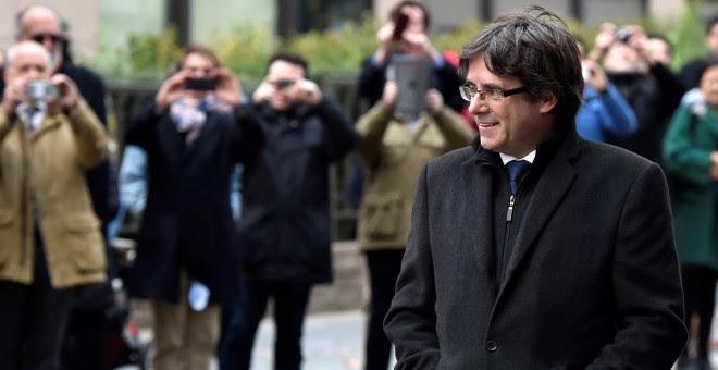 El expresident catalán, Carles Puigdemont, a su llegada para su comparecencia en el Press Club Brussels Europe, en la capital belga. REUTERS/Yves Herman