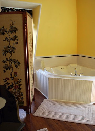 Tub in the Princess Victoria Suite